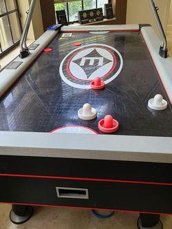 Air Hockey Table - Full Size - Electronic Scoreboard for Sale in Pompano Beach,  FL