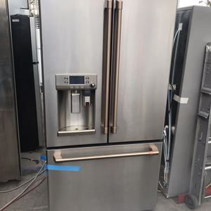 GE Cafe Counter Depth French Door Fridge for Sale in Los Angeles, CA