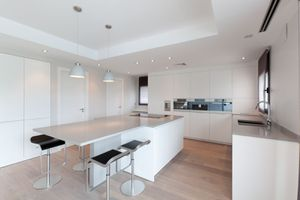 New kitchen cabinets acrylic doors for Sale in Miami, FL
