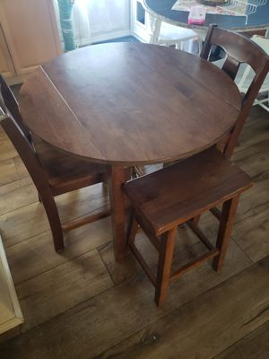 Dining table for Sale in Largo, FL