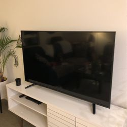 55 Inch Sharp Roku Smart TV! for Sale in Los Angeles,  CA