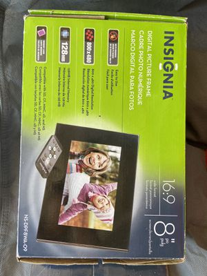 Digital picture frame for Sale in Artesia, CA