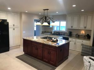 Kitchen Cabinet and Installation for Sale in South Gate, CA