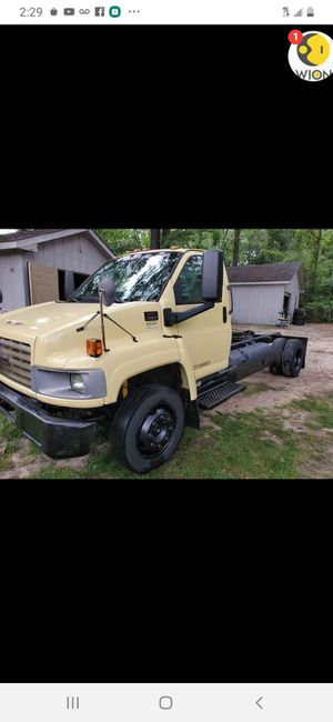 2004 GMC 550 flatbed tow truck for sale for Sale in Hampton, GA