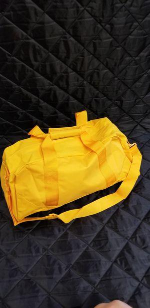 Duffel bags heavy duty material for Sale in Baldwin Park, CA
