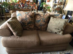 Couch for Sale in Apple Valley, CA