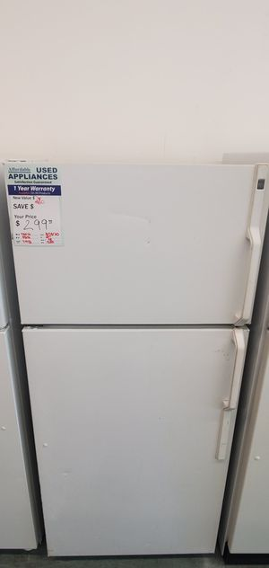 White GE Refrigerator for Sale in Littleton, CO