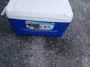 48 quart cooler igloo for Sale in Stone Mountain, GA