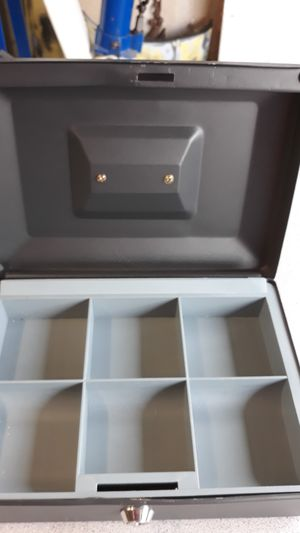 Lockin cash box with keys for Sale in Puyallup, WA