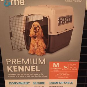 Dog Crate/Kennel Medium for Sale in Ridgefield, WA