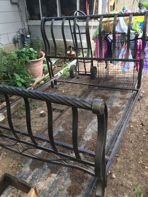 Metal full size bed frame for Sale in Anniston, AL