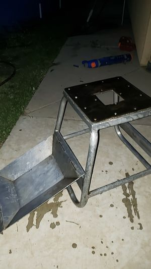 Dirt bike stand with tray for Sale in Parlier, CA
