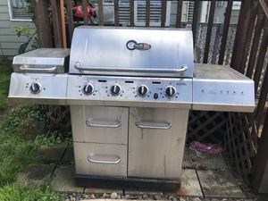 Free bbq needs inside grill parts for Sale in Portland, OR