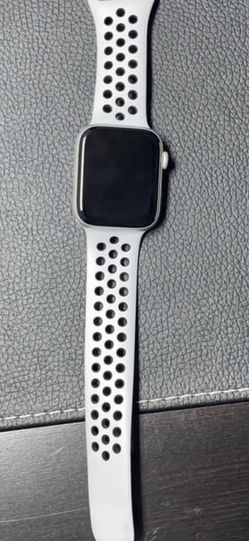Apple Watch Series 4 for Sale in Winchester,  VA