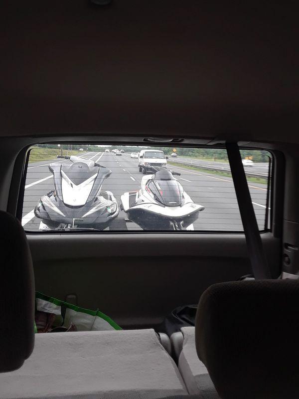 Two jet ski yamaha fx end honda 2006