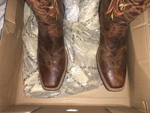 Ariat women's boots size8 for Sale in Davenport, FL