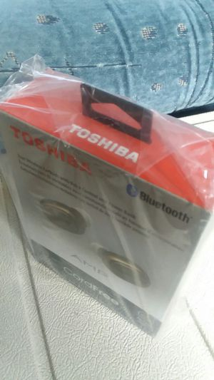 Toshiba Bluetooth Earbuds W/Powerbank Charge Case for Sale in Everett, WA
