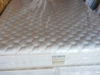 CALIFORNIA KINGSIZE MATTRESS (ONLY) for Sale in Salem,  OR