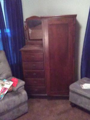 Antique vanity dresser for Sale in Greenville, SC