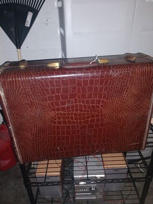 Samsonite Vintage Luxury Small Suitcase for Sale in Fort Lauderdale, FL
