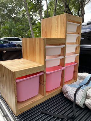 Shelfs for toys storage - like new for Sale in Miami Shores, FL
