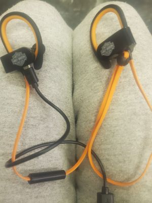 HARLEY DAVIDSON BLUETOOTH HEADPHONES for Sale in Boston, MA