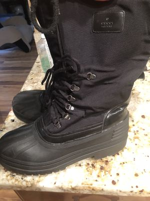 Gucci Snow Boots size 8D8/ 11 for Sale in Saint Charles, MD