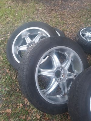 "22"" chrome rims w/tires for Sale in Riverview, FL"