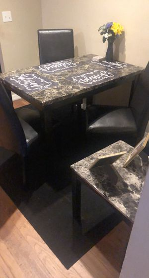 Kitchen table and 3 chairs & end table for Sale in Sanford, FL