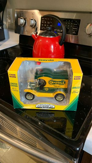 NIB : Crayola: Coin Bank 1912 3rd in Collector Series for Sale in Chippewa Falls, WI