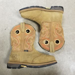 WOMENS Red Wing steel toe boots size 7 for Sale in Houston, TX