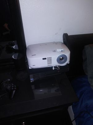 NEC projector 2000 lumens for Sale in Perris, CA