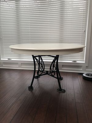 Kitchen table / dining table for Sale in Chesapeake, VA