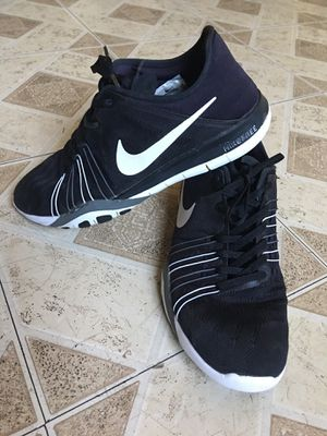 Woman Nike shoes size 9 1/2 for Sale in Tempe, AZ
