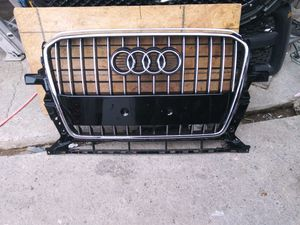 2013-2017 Audi Q5 Front Bumper Grille OEM Used for Sale in Wilmington, CA