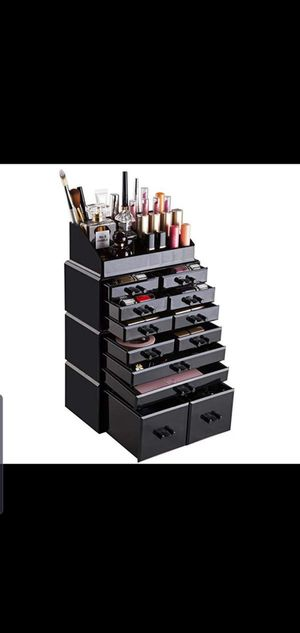 Readaeer Makeup Organizer Display with 12 Drawers. Comes with free makeup Brushes! for Sale in Tampa, FL
