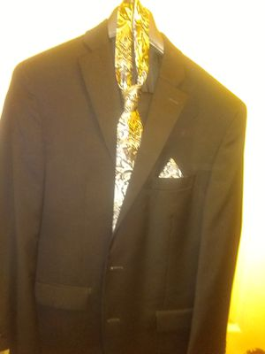 Men's Micheal Kors suit for Sale in Stone Mountain, GA