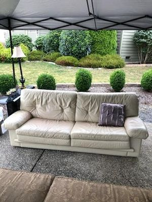 Leather Hide-a-Bed Couch for Sale in Lynnwood, WA