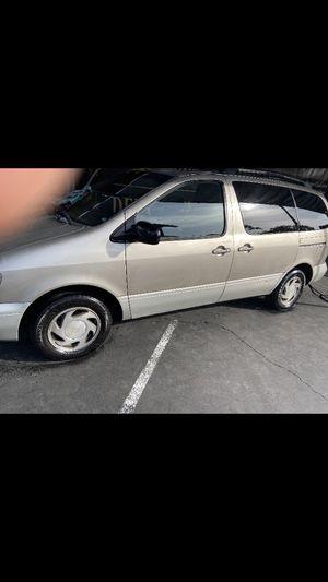 Toyota Sienna 2000 for Sale in Vista, CA