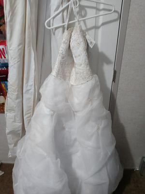 Oleg Cassini Wedding Dress for Sale in Independence, KY