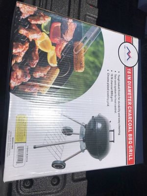 """18"""" charcoal BBQ grill for Sale in Moreno Valley, CA"""