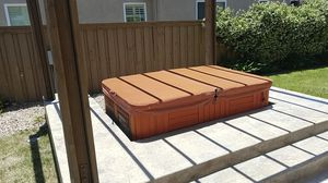 Cozy 56 x 82 hot tub for Sale in Chula Vista, CA