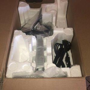 HP Elite Display E223 21.5 Inch Diagonal PC Monitor New In Box HDMI, DVI, VGA for Sale in Glendale, AZ