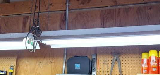7 Shop Lights for Sale in McGregor,  TX