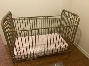 Baby crib and changing station for Sale in Nashville, TN