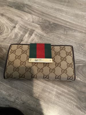 Gucci wallet for Sale in Compton, CA