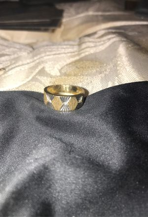 14k Antique wedding band women's white and gold diamond ring. Solid and real diamonds. 5.8 grams. Ring size 5 for Sale in Bartlett, IL
