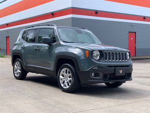 2018 Jeep Renegade Latitude 4x4 Backup Camera! Only 11k Miles! for Sale in Portland, OR