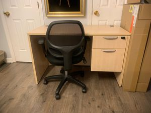 Desk and chair for Sale in Cary, NC