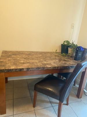 Marble Table and 4 chair for Sale in Clovis, CA